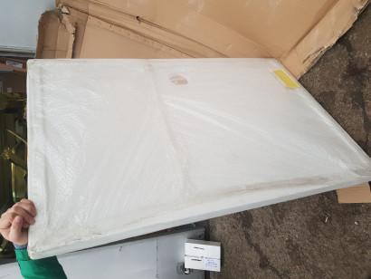 Душевой поддон Riho Zurich DA64 140 x 90 повреждена упаковка, в заводской пленке. 3