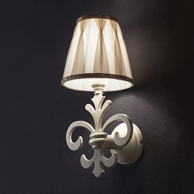 Светильник на стену (белый/золото)